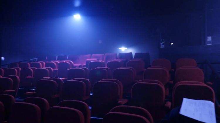 vlipp - Régine règle ses comptes sur scène
